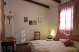 3-3af-country-house-mh-bedroom-red